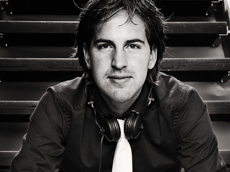 DJ boeken, DJ Inhuren, Trouwfeest DJ, bedrijfsfeest DJ, personeelsfeest DJ,