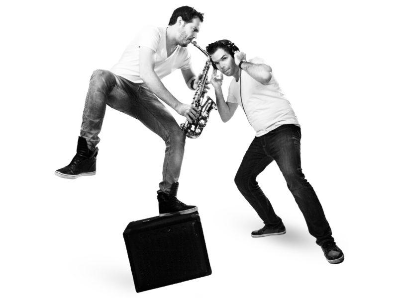 DJ en saxofoon, DJ met sax, dj saxofoon, dj sax