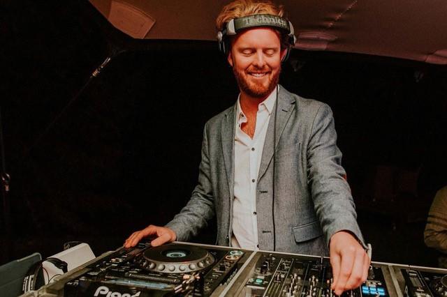 Allround DJ Luxor Groovesum