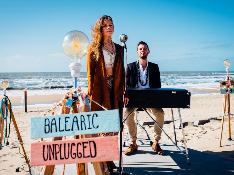 akoestisch zangeres met pianist Balearic Unplugged